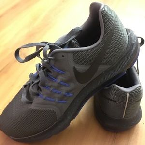 Men's Nike Shoes Size 10